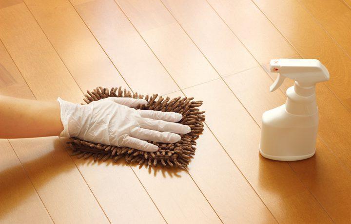 床や棚などの拭き掃除
