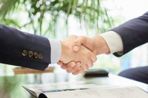 【社会人必見】ビジネスマナーの基本について(あいさつ・話し方・身だしなみなど)