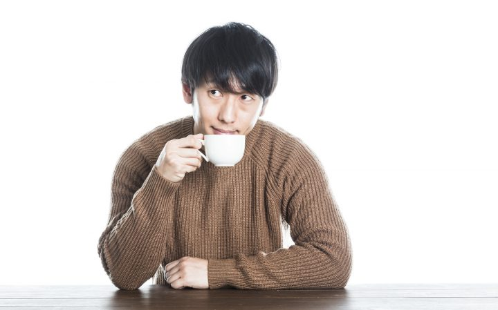 カフェインを含む食品を摂取する
