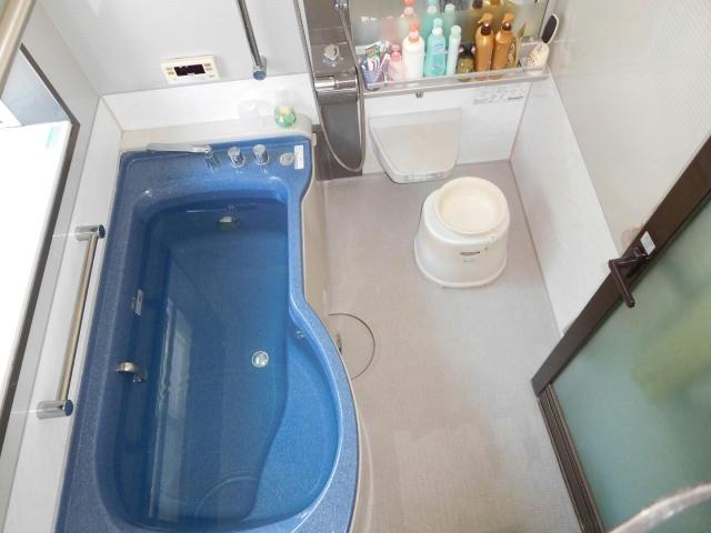 お風呂場の収納アイディアを紹介。乱雑になりがちなお風呂をきれいにまとめる!