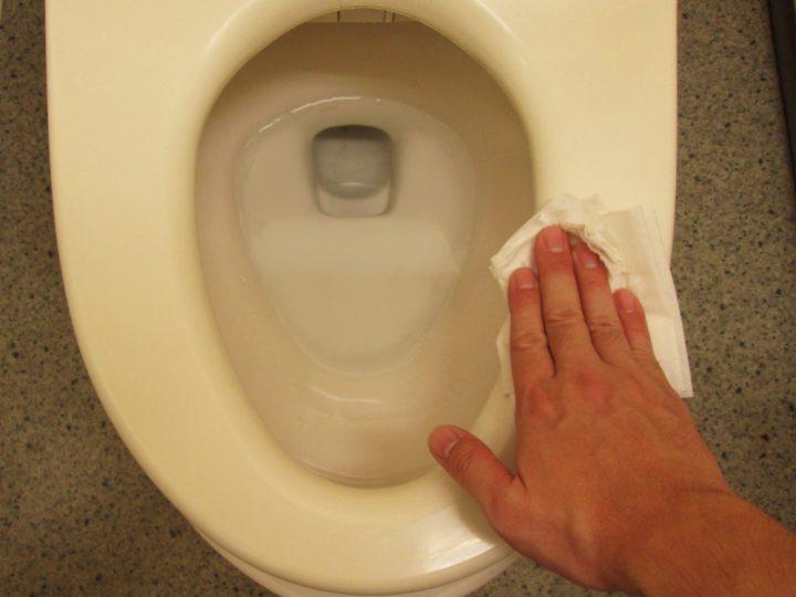 便座の掃除方法