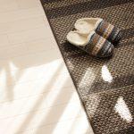 カーペット掃除・お手入れ方法を解説。汚れ、ニオイ、ダニ対策をしっかりと!