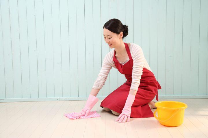 3.部屋の奥から手前に向けて拭く