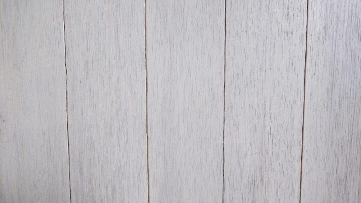 木目調の壁紙でナチュラルな雰囲気に