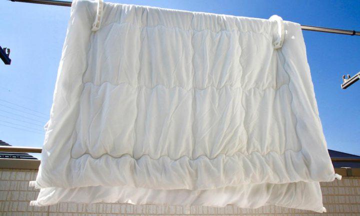 布団の種類や季節で干す時間を変えよう